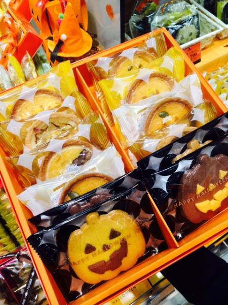 もうすぐハロウィン◡̈⃝お菓子も箱もハロウィン仕様で可愛いっ❤️Tr...写真