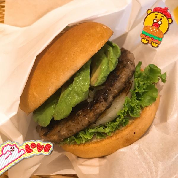 今日もお休みです。今日はずっと気になっていたハンバーガー屋さ...写真