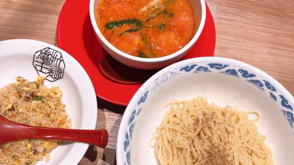 こんばんは〜〜(*´꒳`*)これはラーメンのあとに食べたラー...写真