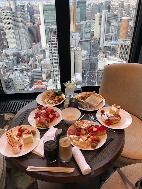 ✨出勤✨つばさです♬(・ω・`*)今日は友達と一緒にお昼コンラッド大阪...写真