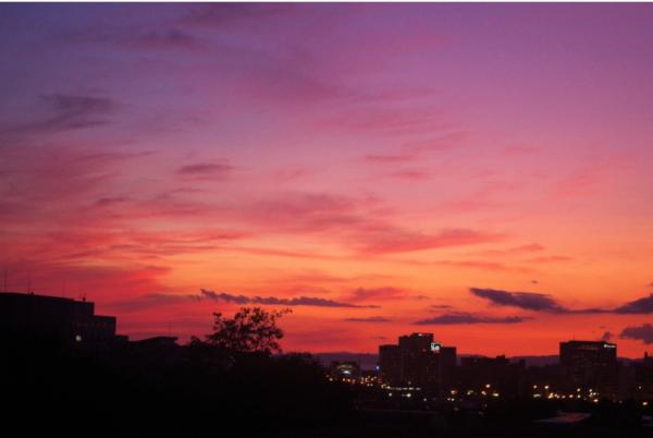こんばんはぁ♥︎今、出勤中なんですが…夕焼けが綺麗...写真