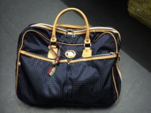 新しい鞄を買いました。